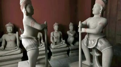 Cambodia demands return of stolen relics