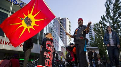 Canada's indigenous vow to block oil pipeline