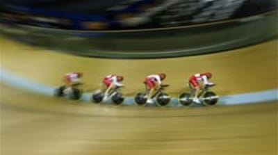 England's team pursuit squad were second best to Australia who grabbed gold [Reuters]