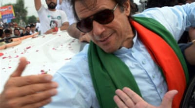 Imran Khan convoy reaches Pakistan capital