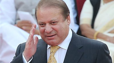 Pakistan PM scoffs at resignation demands