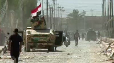 Iraqi forces 'advance against IS fighters'