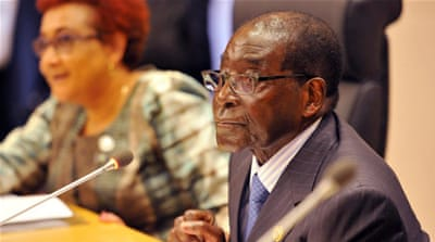 Mugabe and the AU: Zimbabwe leader takes charge