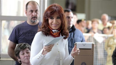 Argentina votes in polarised presidential elections