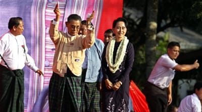 Aung San Suu Kyi rally draws thousands in Myanmar