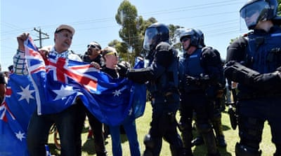 Punches thrown at Australia's anti-Islam rally