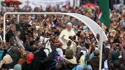 Pope urges 'essential' interfaith dialogue in Africa