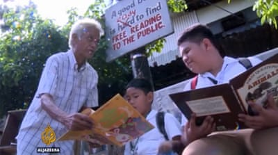 Filipino retiree turns home into library