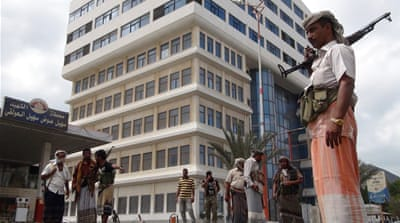 Pro-Hadi loyalists seize key buildings in south Yemen