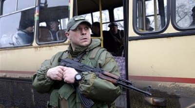 Shelling forces residents to flee eastern Ukraine city