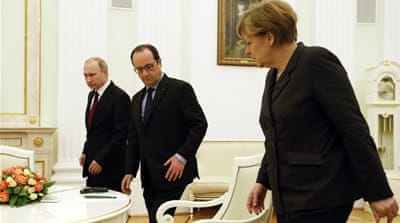 Merkel and Hollande discuss Ukraine crisis with Putin