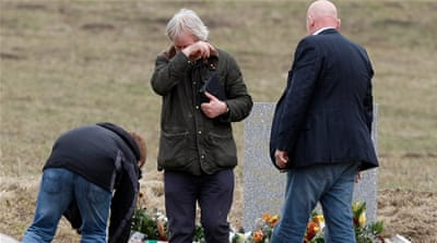 Family members paid tribute to the victims at the site of plane crash [AP]