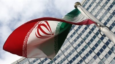 US senators threaten to overturn Iran nuclear deal