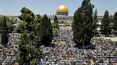 Thousands of Palestinians allowed to pray at Al-Aqsa