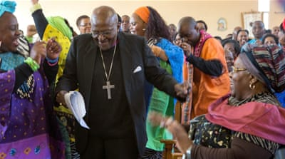 South Africa's Desmond Tutu admitted to hospital