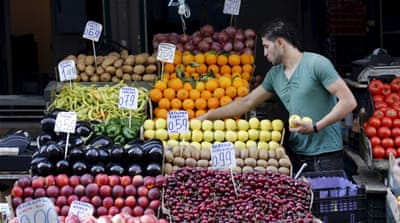 Freebies provide relief to cash-starved Greeks