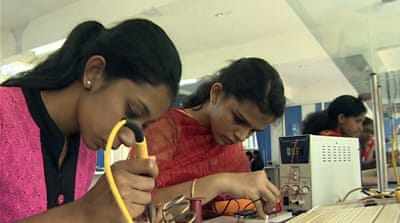 Indian device translates sign language into words