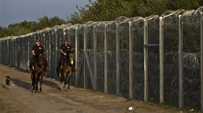Hungary closes crossing used by thousands of refugees