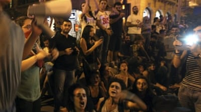 'You Stink' protesters return to Beirut streets