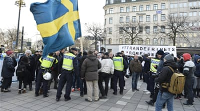Sweden: Arrests and scuffles after anti-refugee rampage