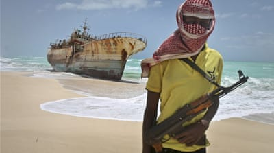 Somali pirates free hostages held for nearly five years