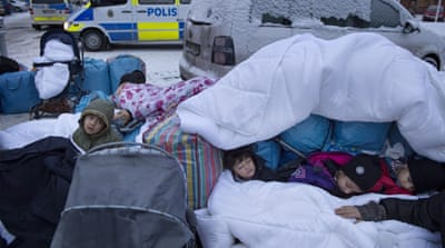 Swedish aid workers try to find lone child refugees