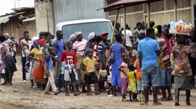 People have been queueing up in parts of the capital, Luanda to receive the yellow fever vaccine [EPA]