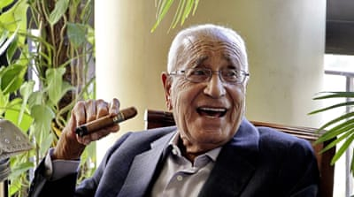 Heikal, Egypt's most famous journalist, dies at 92