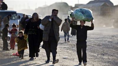 Thousands head to Turkey fleeing Syrian offensive