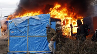 Refugee crisis: France clears part of Calais 'Jungle'
