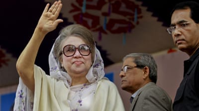 Bangladeshi politics has been mired for years in rivalry between Hasina and Khaleda, pictured above [AM Ahad/AP]