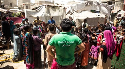 Pakistanis and Indians unite to feed the poor