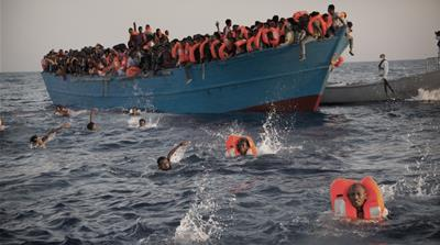 Italy rescues 6,500 refugees from Mediterranean