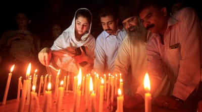 Quetta attack: Pakistan mourns as lawyers begin boycott