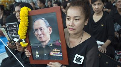 Thais bid farewell to beloved king Bhumibol Adulyadej