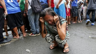 Manila's nightcrawlers capture Duterte's drug war