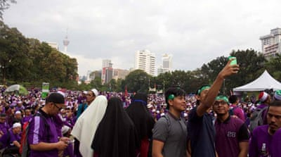 Kuala Lumpur rally calls for stricter Islamic law