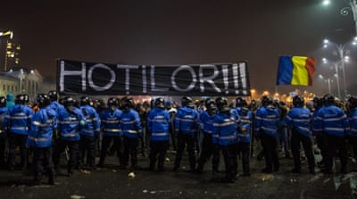 Protests surge as Romania decriminalises corruption