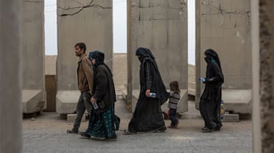 Battle for Mosul: ISIL's human shields