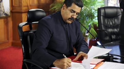 Maduro wants 'people's body' to rewrite constitution