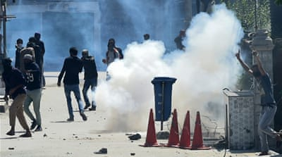 Kashmir clashes leave 10 people dead