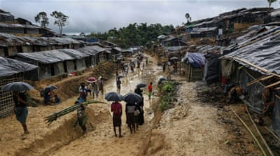 Rohingya refugees search for shelter in Bangladesh
