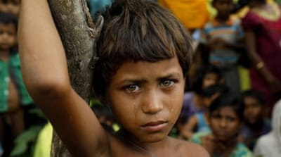 More than 270,000 Rohingya, a large percentage of them women and children, have fled Myanmar in the last two weeks [Mohammad Ponir Hossain/Reuters]