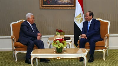 Mahmoud Abbas in Egypt 'to discuss Hamas-Fatah reconciliation'