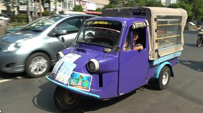 Tuk tuk library brings joy of books to Jakarta's poorest children