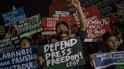 Duterte bans Rappler reporters from presidential palace