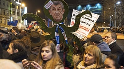 Thousands rally against Czech president's attack on media