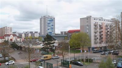 New 'battle plan' to improve life at France's deprived suburbs
