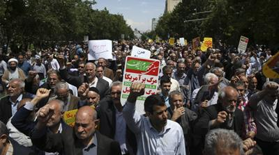 Iran protesters chant anti-US slogans after nuclear deal pull out