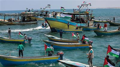 Gaza residents show support for boat in bid to break Israel siege